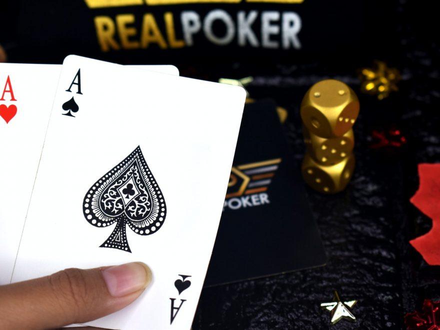 Strategi Poker Untuk Mendapat Kartu Istimewa Ketika Bermain